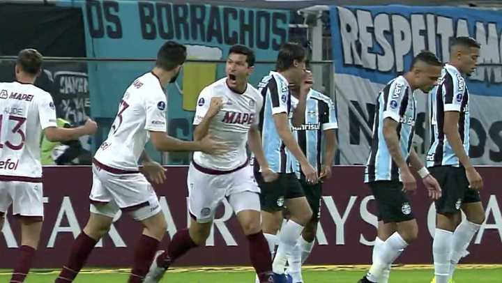 Lanús respondió rápido con gol de Burdisso