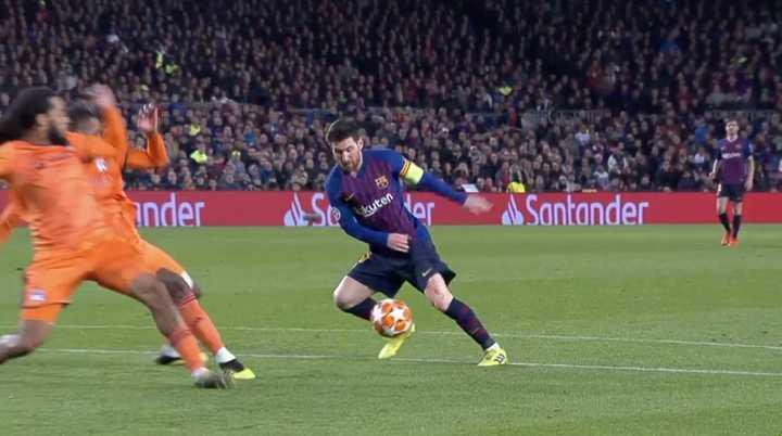 Doblete de Messi para marcar el 3 a 1