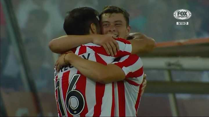 Estudiantes derrotó dos a cero a Colo Colo