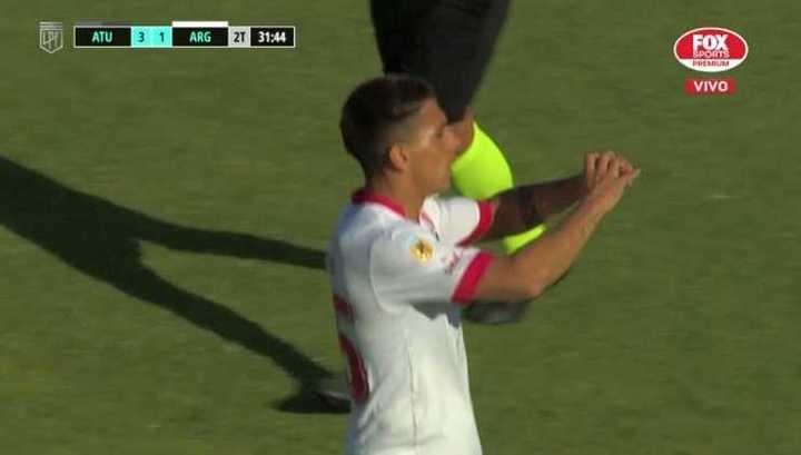 Dos goles del Bicho en un minuto