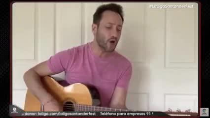 Luciano Pereyra cantó para La Liga Santander Fest