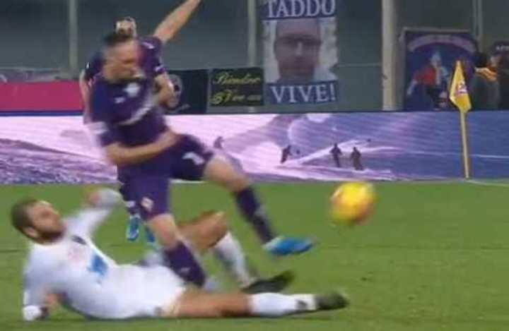 Durísima entrada que lesionó a Ribéry