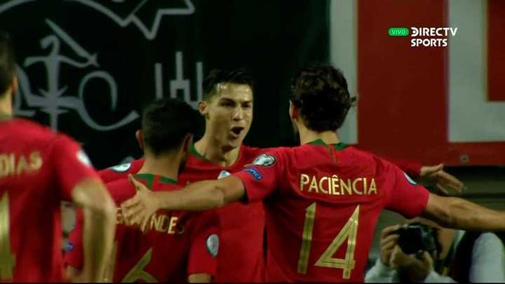 Cristiano marcó de penal para Portugal