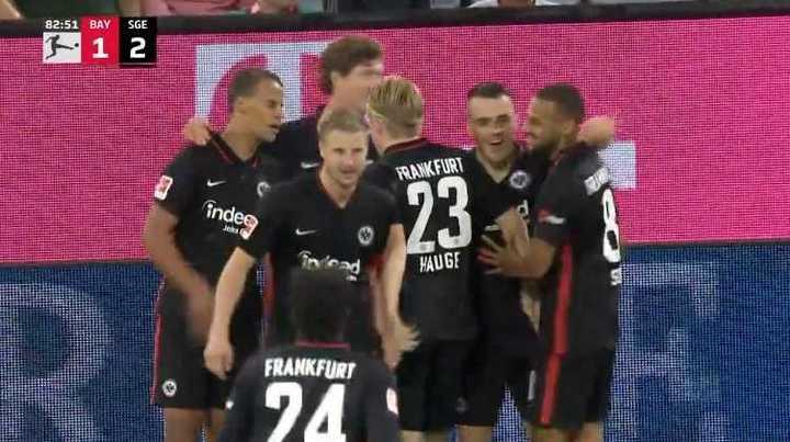El Eintracht rompió el invicto del Bayern