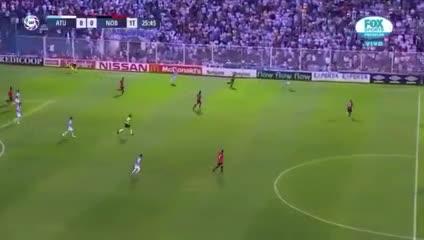 La insólita jugada en el Newell's - Atlético Tucumán