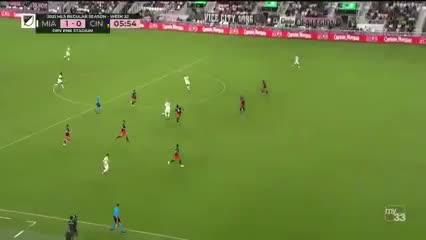 Federico Higuaín puso el 1-0