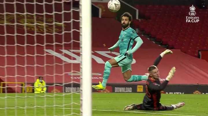 Mohamed Salah abrió la cuenta ante Manchester United