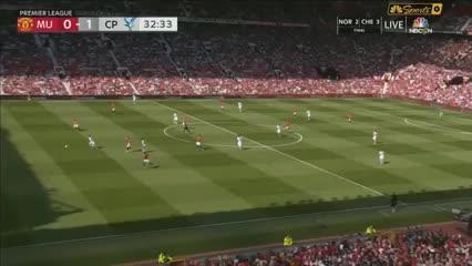 Jordan Ayew pone el 1-0 para el Crystal Palace en Old Trafford