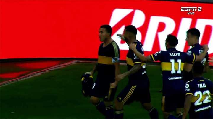 Carlos Tevez marcó el primero para Boca