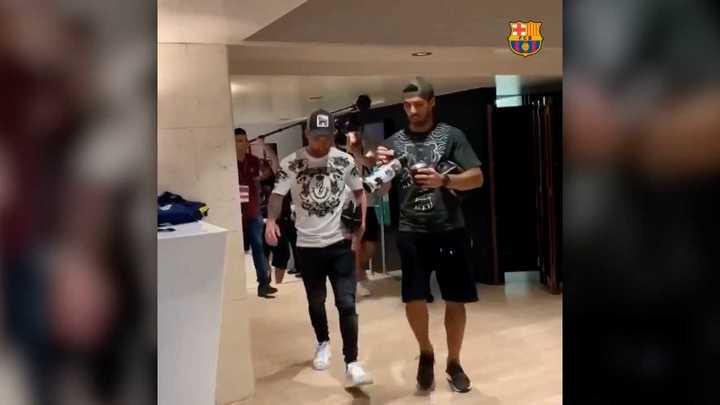 Messi llegó al Camp Nou junto a Suárez