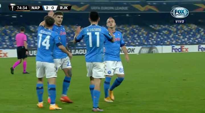 El gol de Hirving Lozano para el segundo de Napoli