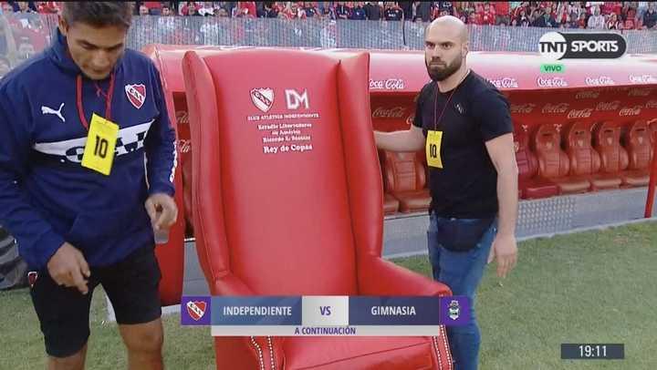 El sillón para Maradona