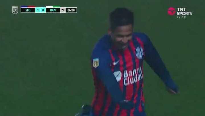 Golazo de Uvita Fernández para el 1-0