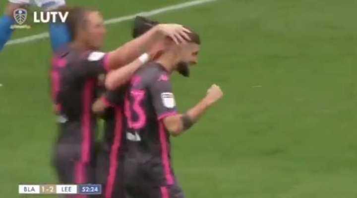 Los goles de la victoria del Leeds
