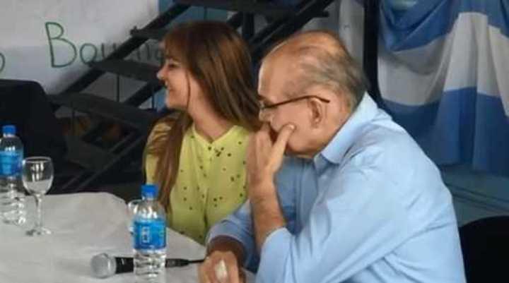 Alejandro Sabella se emocionó en su visita a una escuela