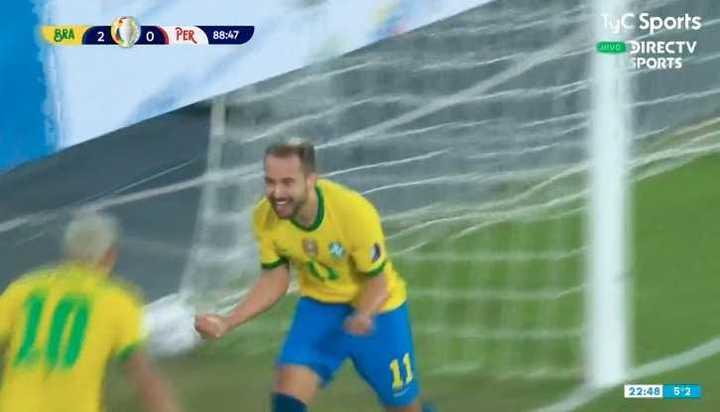 Golazo de Everton Ribeiro