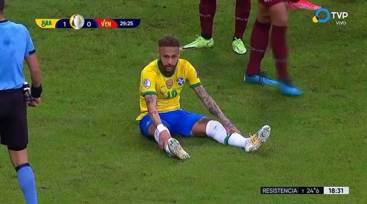 Neymar hizo la individual y casi mete el segundo