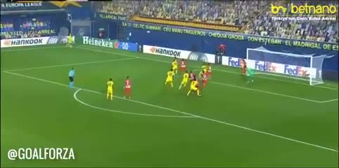 Foyth marcó para Villarreal