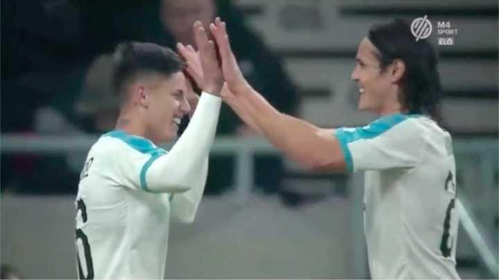 Uruguay derrotó a Hungría por 2 a 1