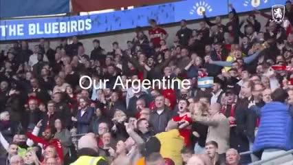 Los hinchas de Middlesbrough le cantan a Martín Payero