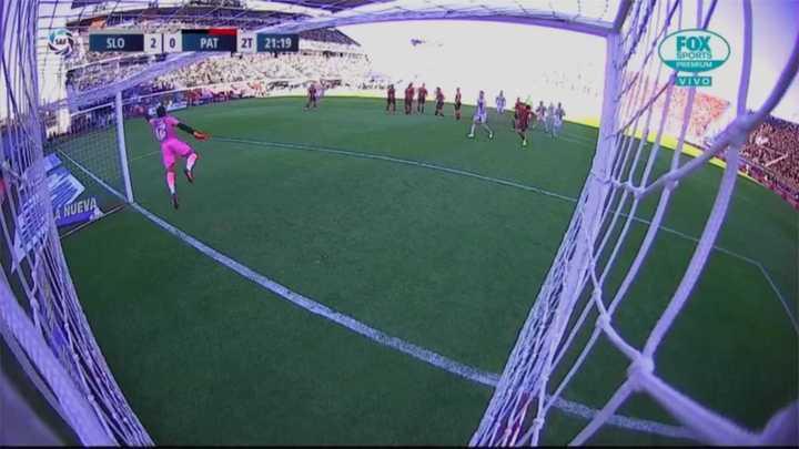 Romero reventó el palo y se perdió el tercero de San Lorenzo