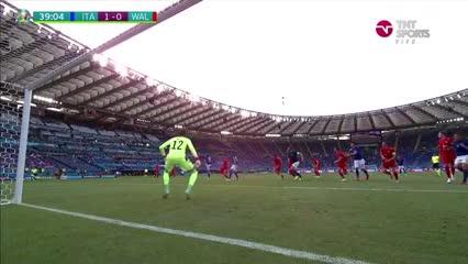Italia se puso en ventaja frente a Gales