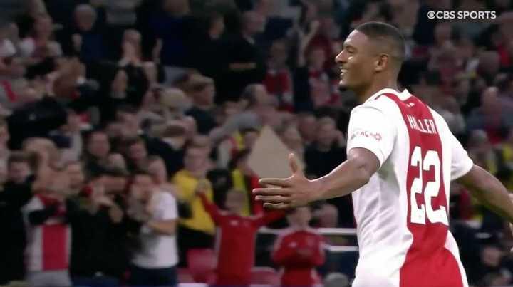 Ajax le ganó 4 a 0 a Borussia Dortmund
