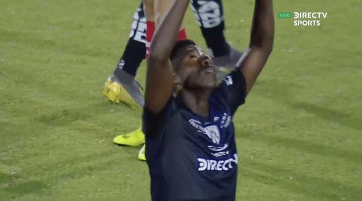 Cabeza marcó el primero de Independiente del Valle