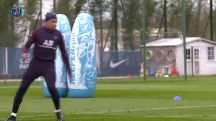 Los lujos de Neymar, Icardi y Mbappé en el entrenamiento
