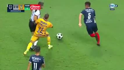 Kranevitter puso el 2-0 para Rayados ante Tigres