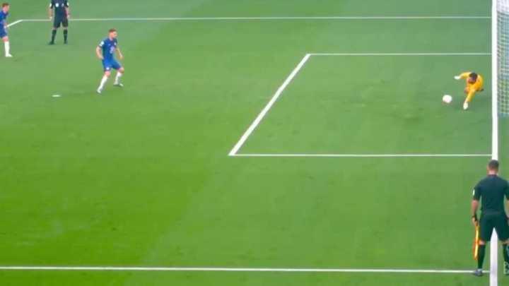 Alisson evitó el descuento de Jorginho