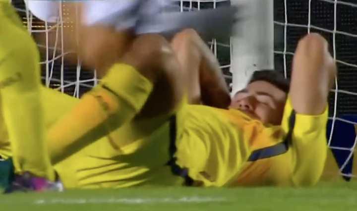 Recuerdo: Rossi atajó un penal en su debut en Boca, en un amistoso ante Colón en el 2017