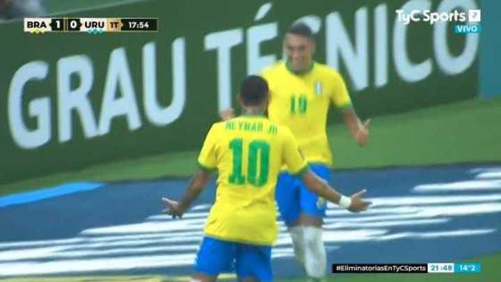 Raphinha marcó el 2 a 0