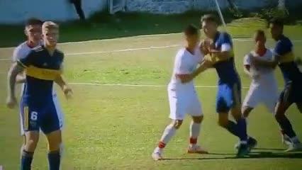 El primer gol de Vázquez a Huracán: PT 30'22''.