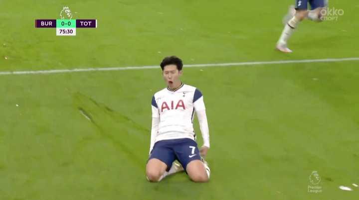 Gol de cabeza del Tottenham