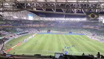 """Time sem vergonha"" (equipo sinvergüenza) le cantó la barra de Palmeiras a sus jugadores"