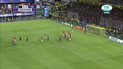 Mauro Zárate se fue lesionado ante Independiente