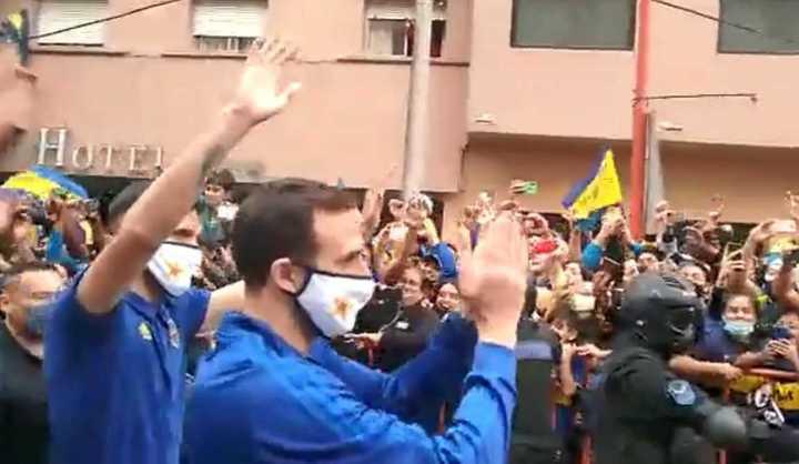 Los jugadores de Boca se prendieron ante la ovación de los hinchas