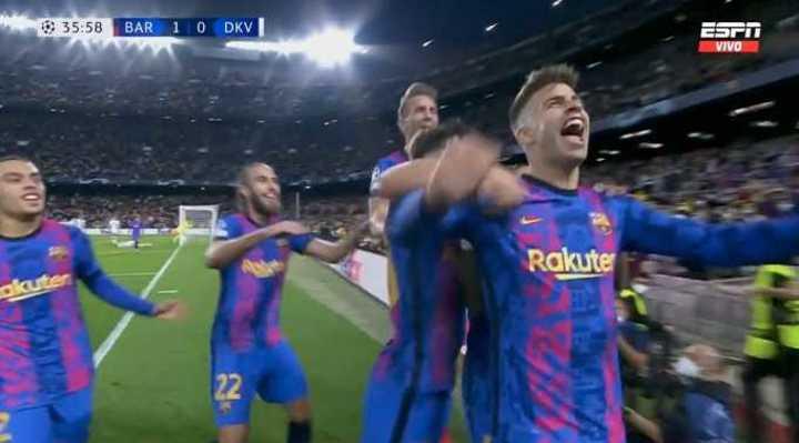 El gol de Piqué para el triunfo de Barcelona