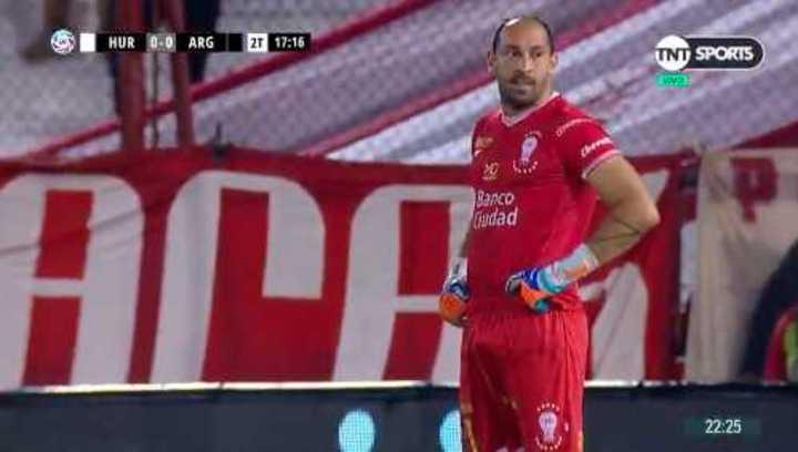 Marcos Díaz se mantiene firme en el arco