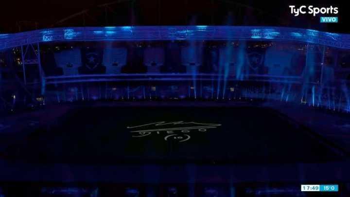 El homenaje a Maradona
