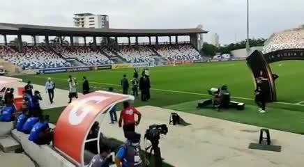 River debió dejar el calentamiento por gases lacrimógenos afuera del estadio en Barranquilla