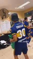 Zeballos se animó a bailar cumbia con la Copa