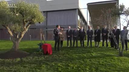 La Conmebol y la Federación Española de Fútbol, unidos por la paz