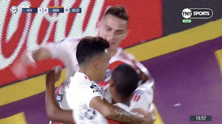 Suárez puso el 1 a 0 para River