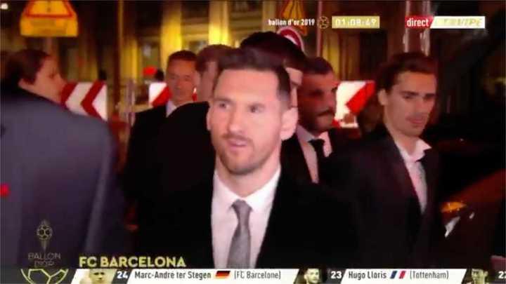 Messi se prepara para la ceremonia del Balón de Oro