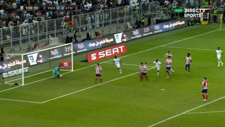 Oblak salvó al Atlético con una doble atajada
