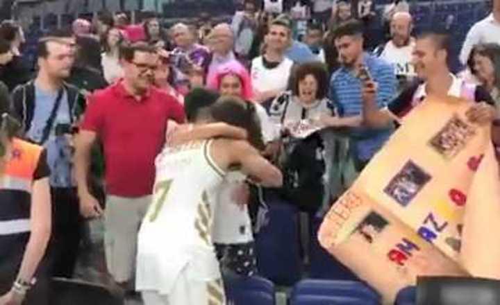 El gesto de Campazzo con una fan tras ser campeón