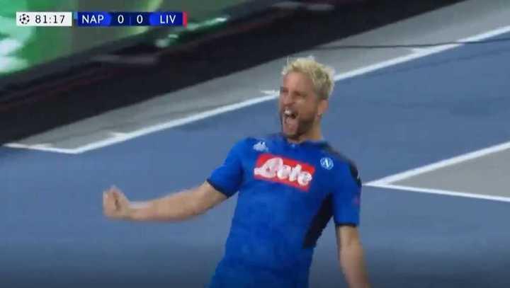 Mertens puso el 1 a 0 para el Napoli