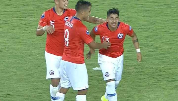 Chile anotó el segundo frente a Ecuador tras gran jugada colectiva
